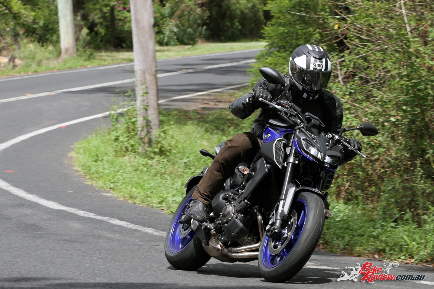 Review: 2017 Yamaha MT-09 - Bike Review