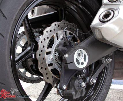 2017 Kawasaki Ninja 1000 - single-piston rear caliper and 250mm rotor