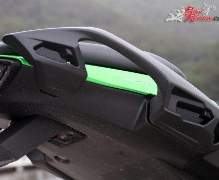 2017 Kawasaki Ninja 1000 - The rear pillion grips incorporate pannier mounts