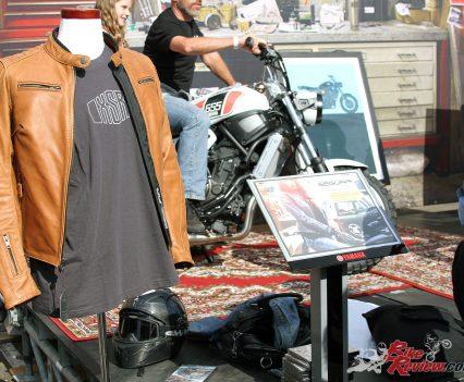 2017 Throttle Roll - Segura jacket display