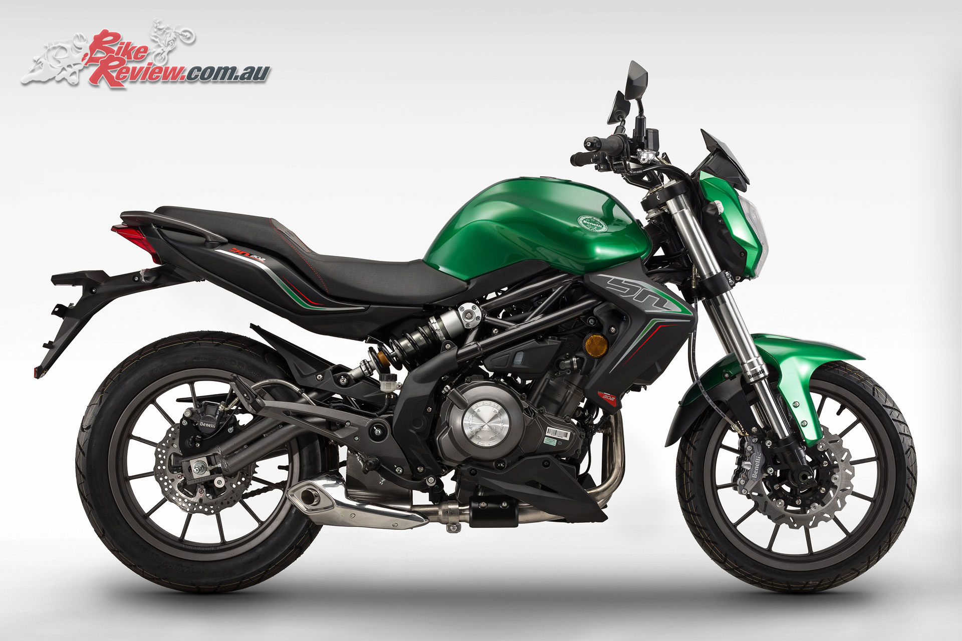 2017 Benelli BN302 announced with ABS standard - Bike Review