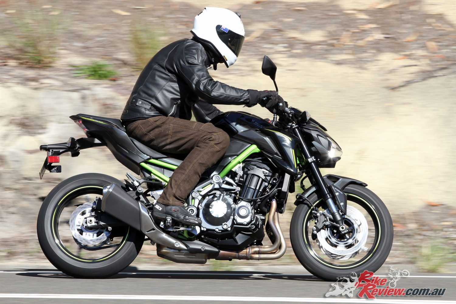 review 2017 kawasaki z900 bike review. Black Bedroom Furniture Sets. Home Design Ideas