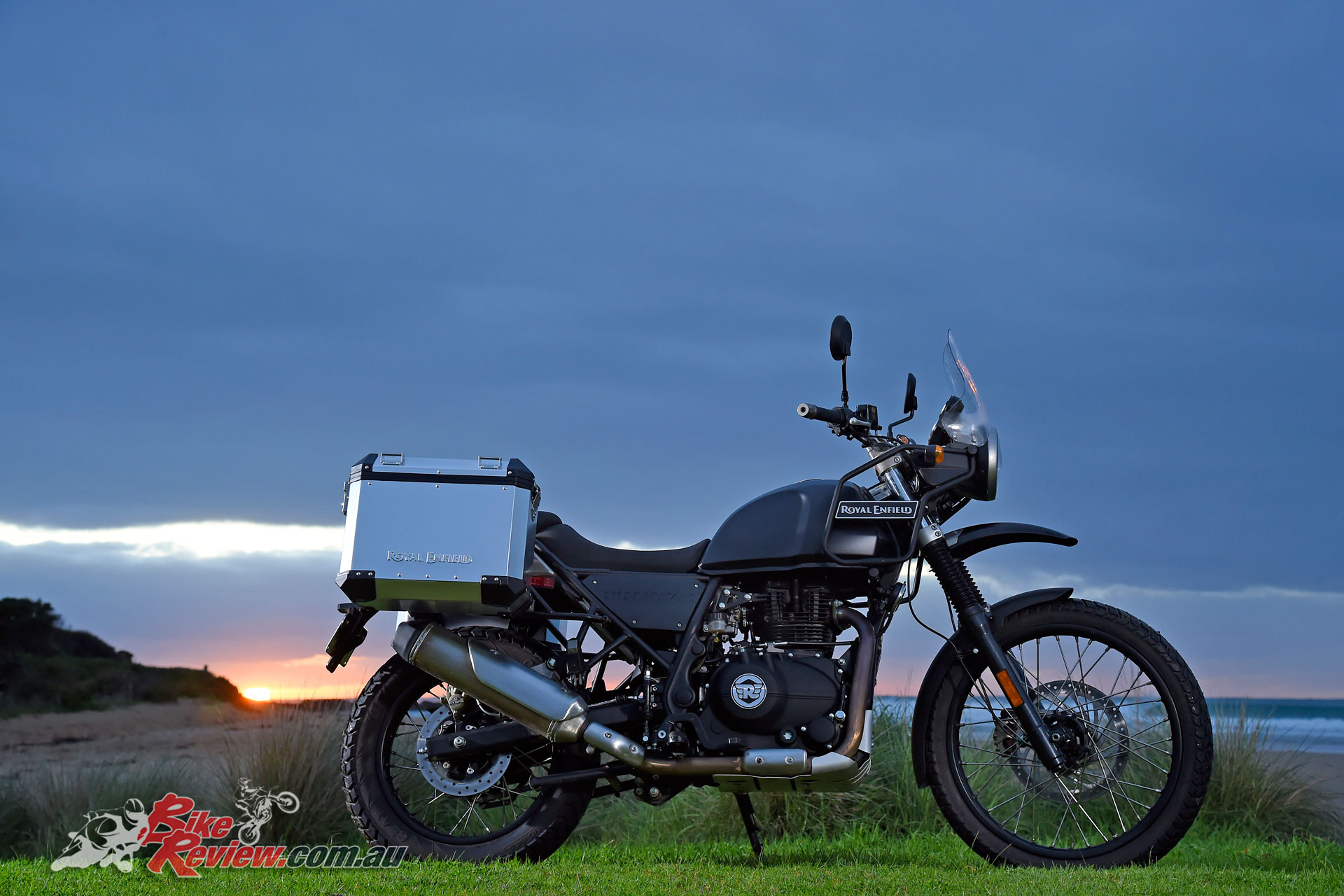 review 2017 royal enfield himalayan bike review. Black Bedroom Furniture Sets. Home Design Ideas