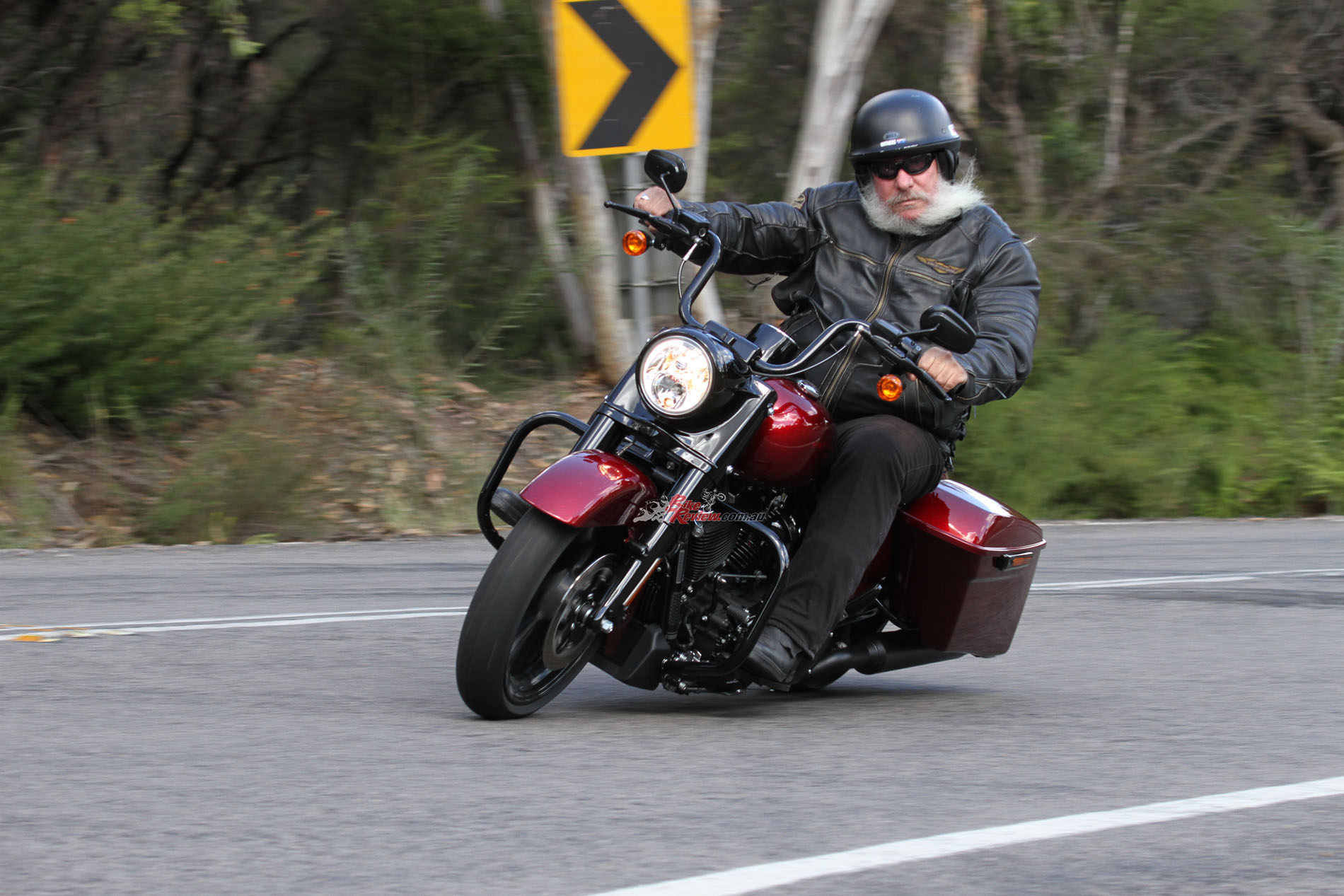 Harley Davidson Saddlebags >> Video Review: 2017 Harley-Davidson Road King Special ...