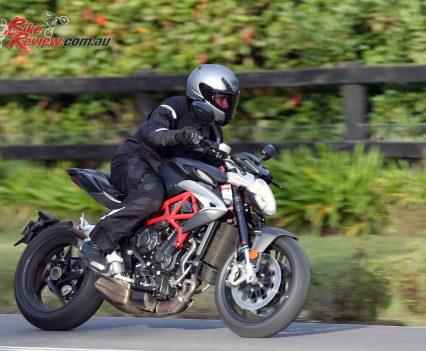 2017-MV-Agusta-Brutale-800-Bike-Review-10