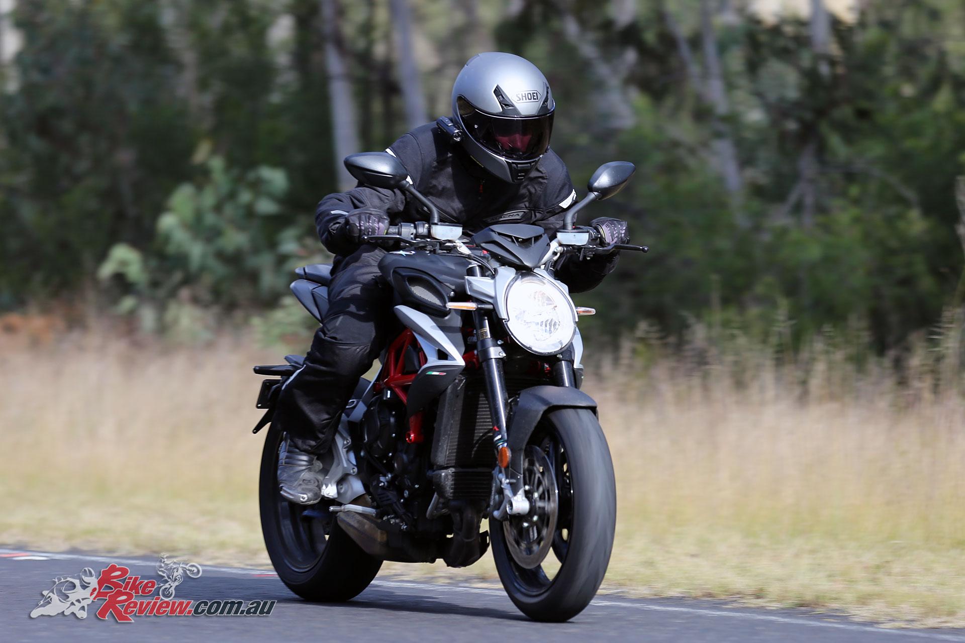 Wallpaper Mv Agusta Brutale 800 2017 Automotive Bikes: Review: 2017 MV Agusta Brutale 800