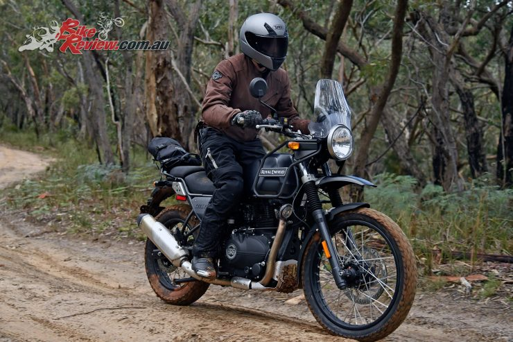 Shoei RYD helmet at the Royal Enfield Himalayan launch, getting a bit of off sealed-road action
