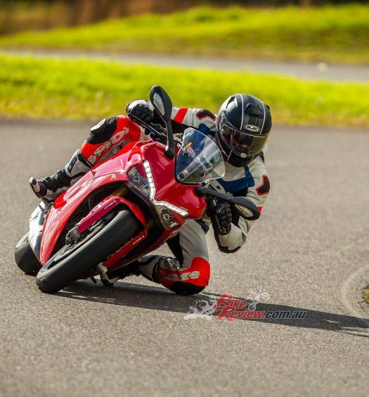 BikeReview 2017 Ducati SuperSport20170623_1824