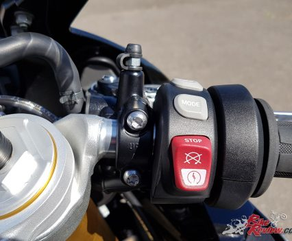 Riding Mode, Heated Grips and Start/Stop on the R/H bar.