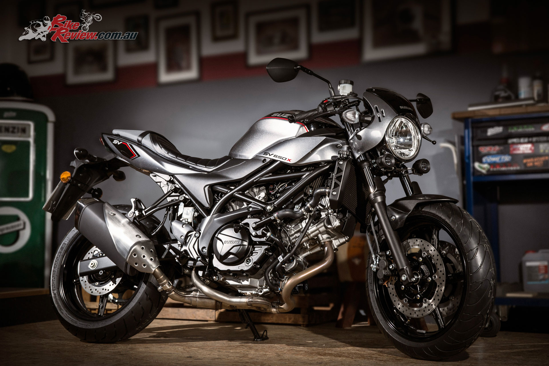 Triumph Cafe Racer >> Suzuki unveil 2018 SV650X 'Cafe Racer' at EICMA - Bike Review