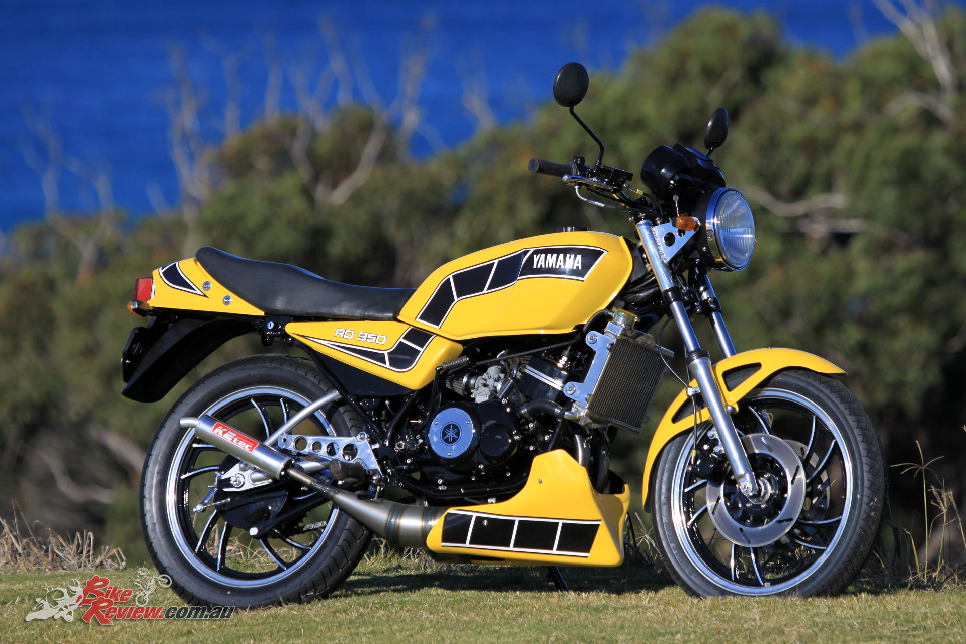 Tuning Tips: Pommie's Yamaha RD350LC - Bike Review