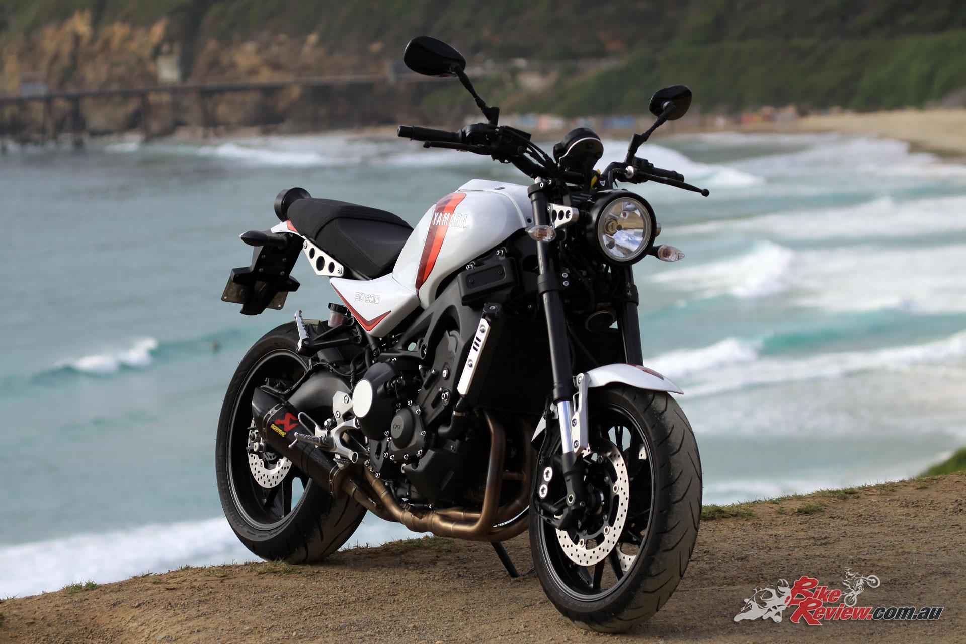 Custom: 2018 Yamaha XSR900 \'RD900LC\' - Bike Review