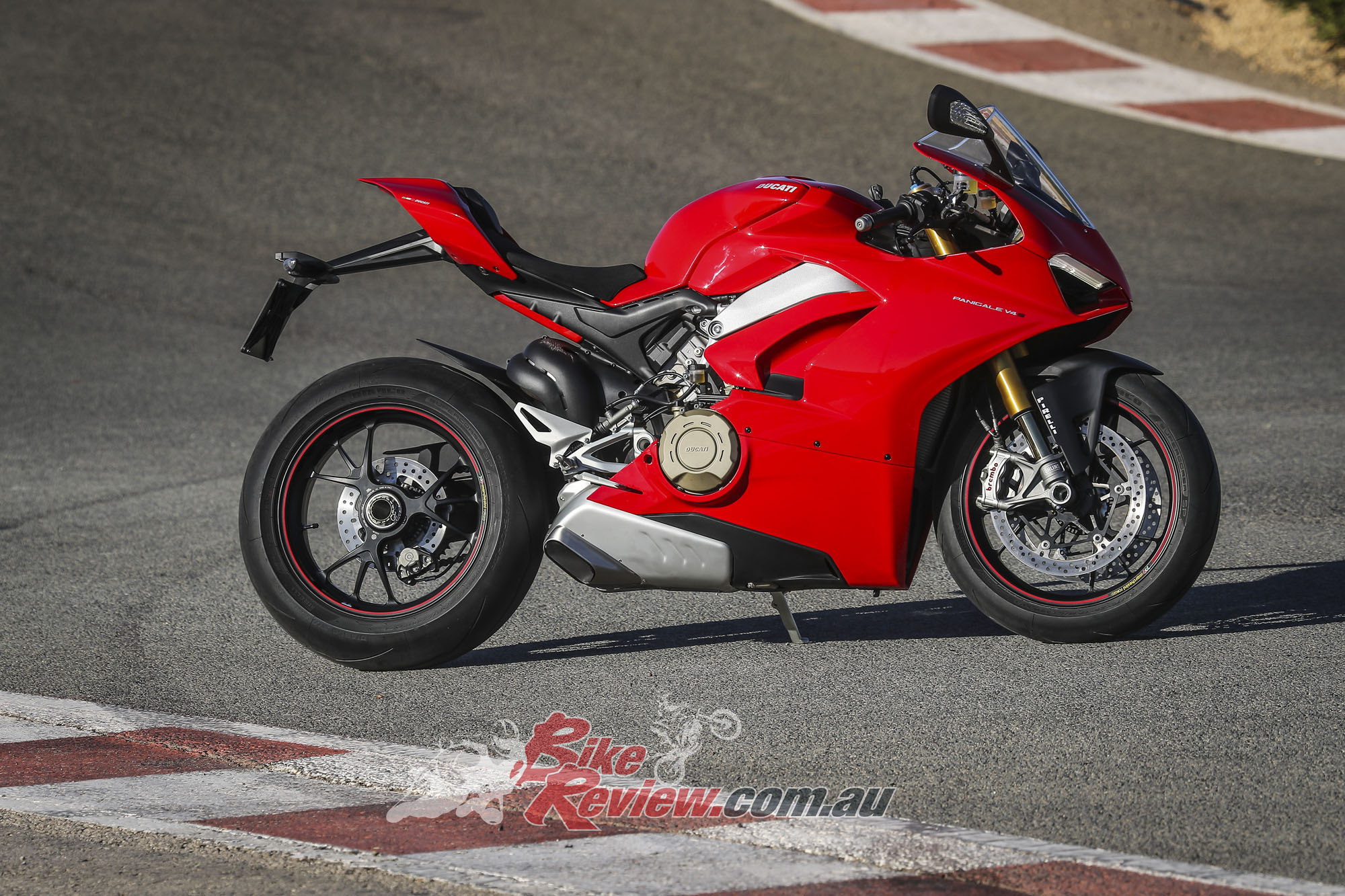 press intro ride first impression ducati panigale v4 s. Black Bedroom Furniture Sets. Home Design Ideas