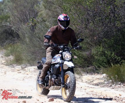The Scrambler Desert Sled offers good performance on rough terrain, ideal for the inexperienced