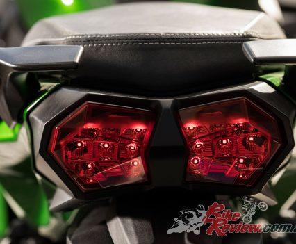 2018 Kawasaki H2 SX SE World Launch BikeReview (41)