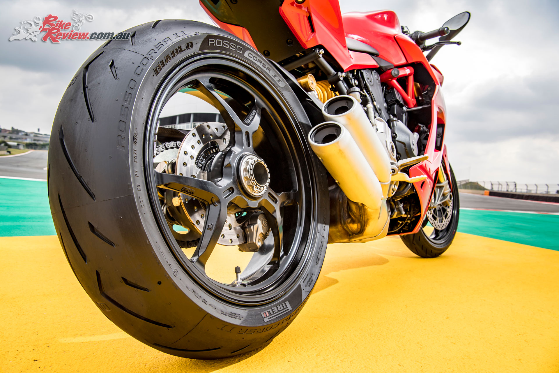 180//60ZR-17 Pirelli Diablo Rosso Corsa 2 Rear Tire