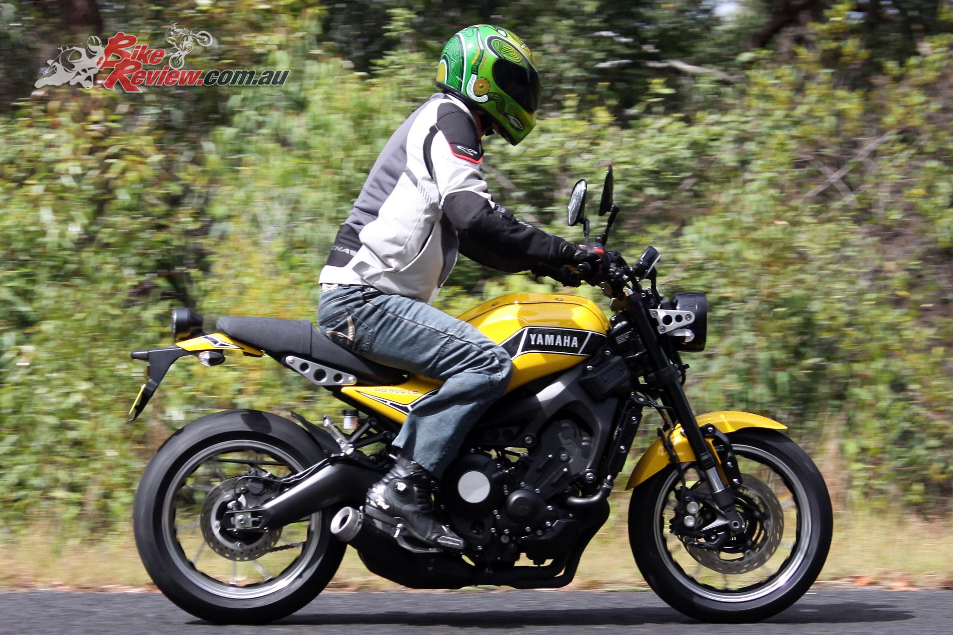 Yamaha Tracer 900 >> Custom: 2018 Yamaha XSR900 'RD900LC' - Bike Review