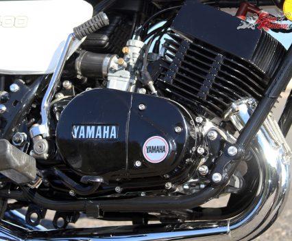 1976-Yamaha-RD400-Bike-Review-6808