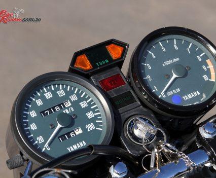 1976-Yamaha-RD400-Bike-Review-6916