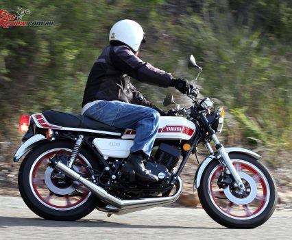 1976-Yamaha-RD400-Bike-Review-7399