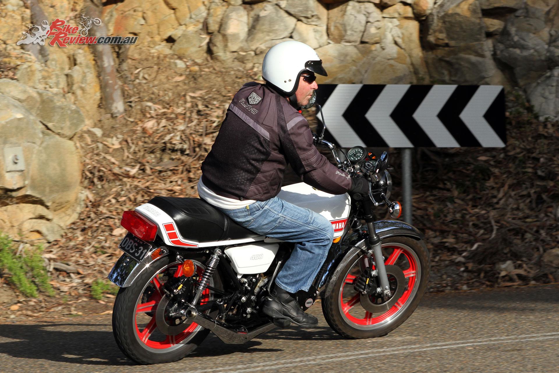 Classic Ride Video: 1980 Yamaha RD400 - Bike Review