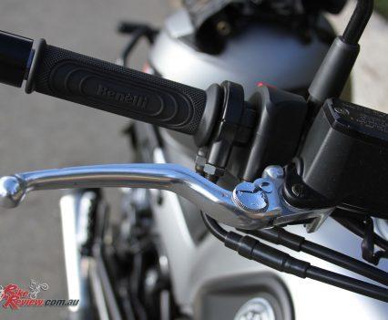 Adjustable front brake lever