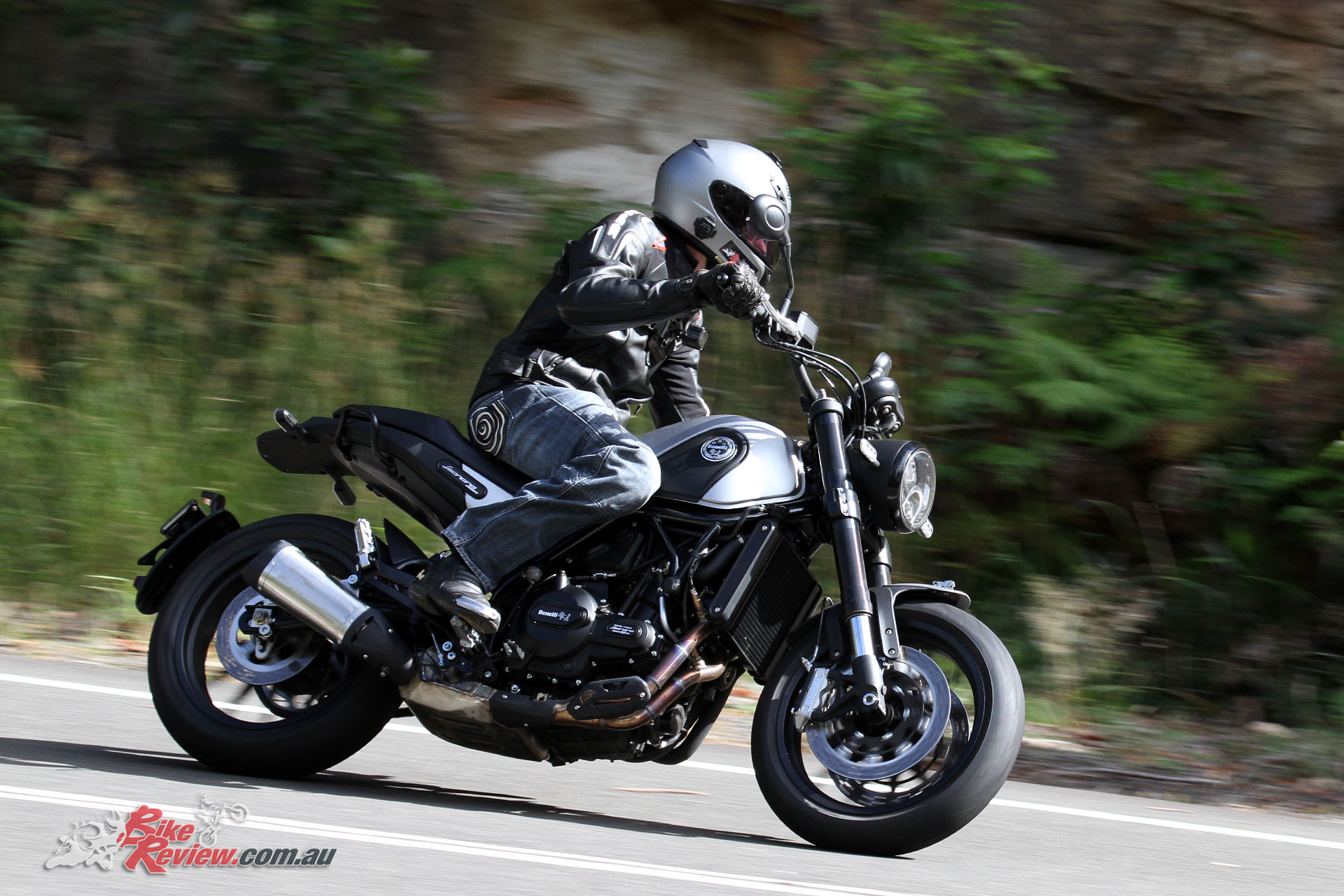 Review 2018 Benelli Leoncino Lams Bike Review