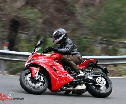 2018-Ducati-Supersport-S-Bike-Review-6264