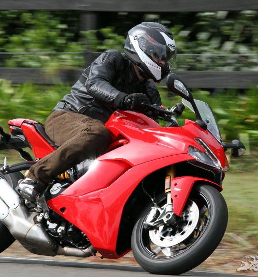 2018-Ducati-Supersport-S-Bike-Review-6308