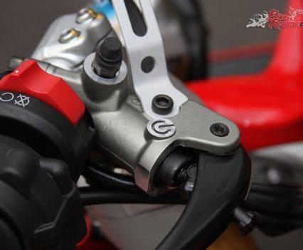 2018-Ducati-Supersport-S-Bike-Review-6747
