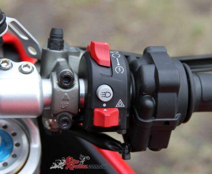 2018-Ducati-Supersport-S-Bike-Review-6761