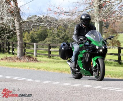 The Ninja H2 SX Se makes the ultimate sports tourer. It's comfy and mellow when you want it to be but open up that throttle and even the most mundane ride becomes a blast...