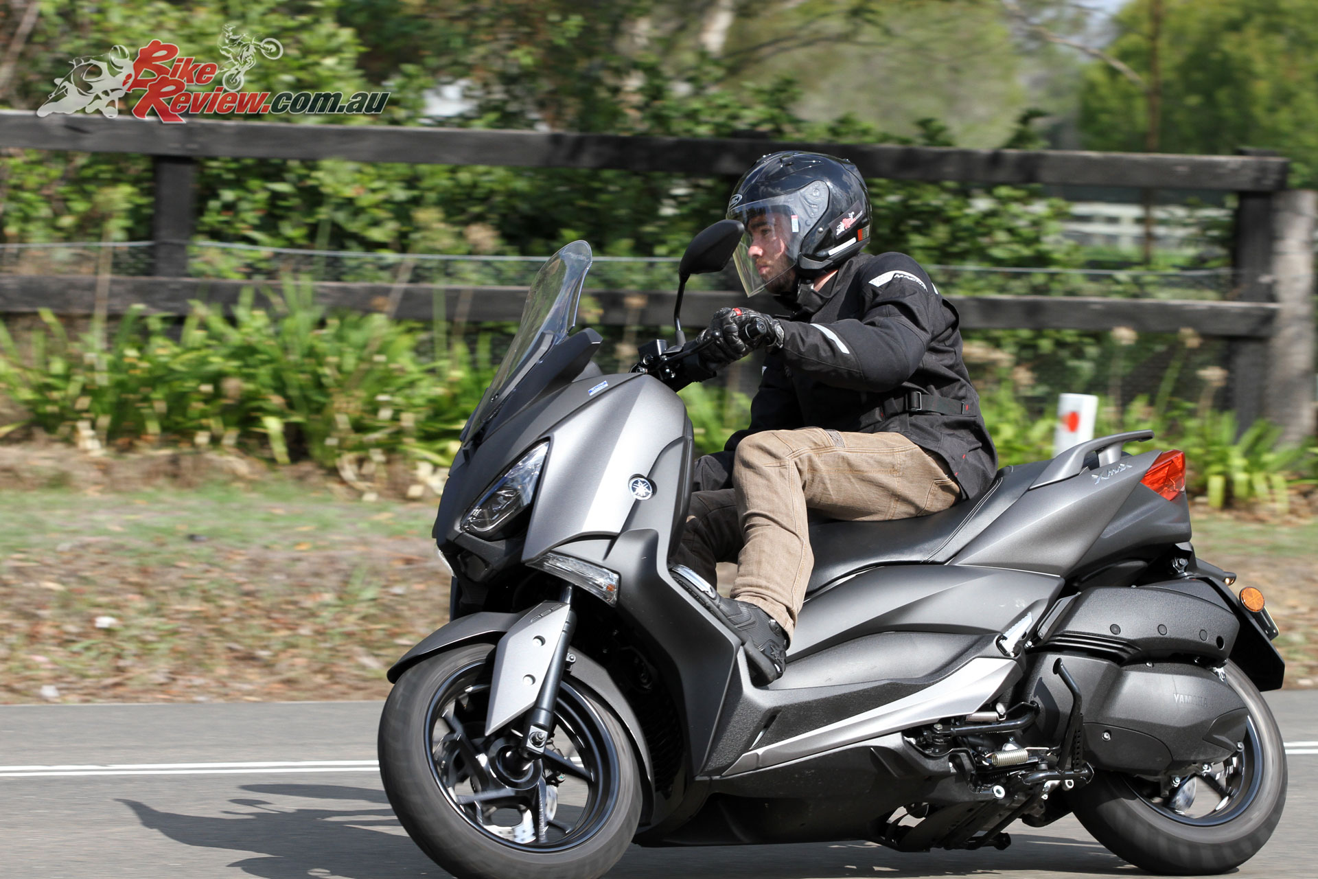 Review: 2018 Yamaha XMAX 300 Scooter (LAMS) - Bike Review