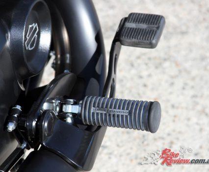 2018 Harley-Davidson Street 500 - Foot controls