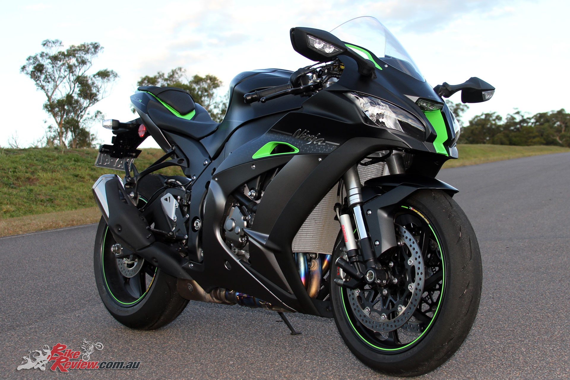 Video Review Kawasaki Ninja Zx 10r Se Bike Review