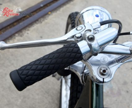 Diamond styled grips, no switchgear, cable clutch.