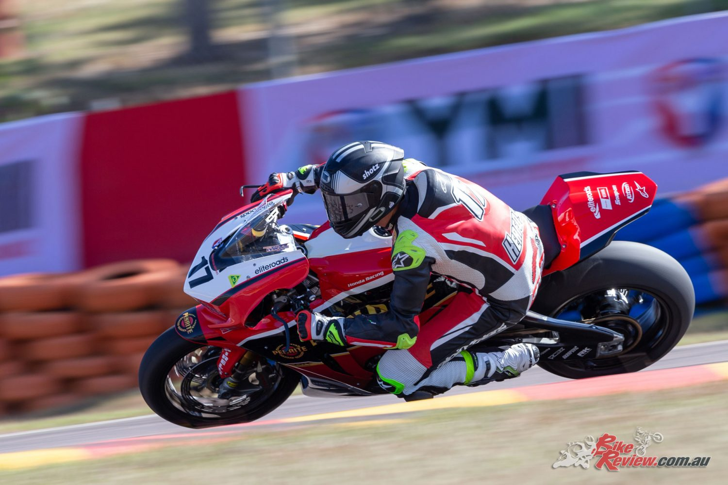 Max Stauffer claims two SSP300 wins at The Island - Bike