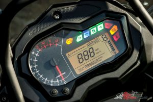 2018 Benelli TRK 502X - Instruments, including gear indicator