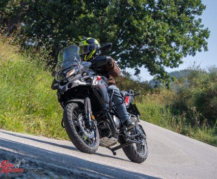 2018-Benelli-TRK-502X-Bike-Review-TG-101