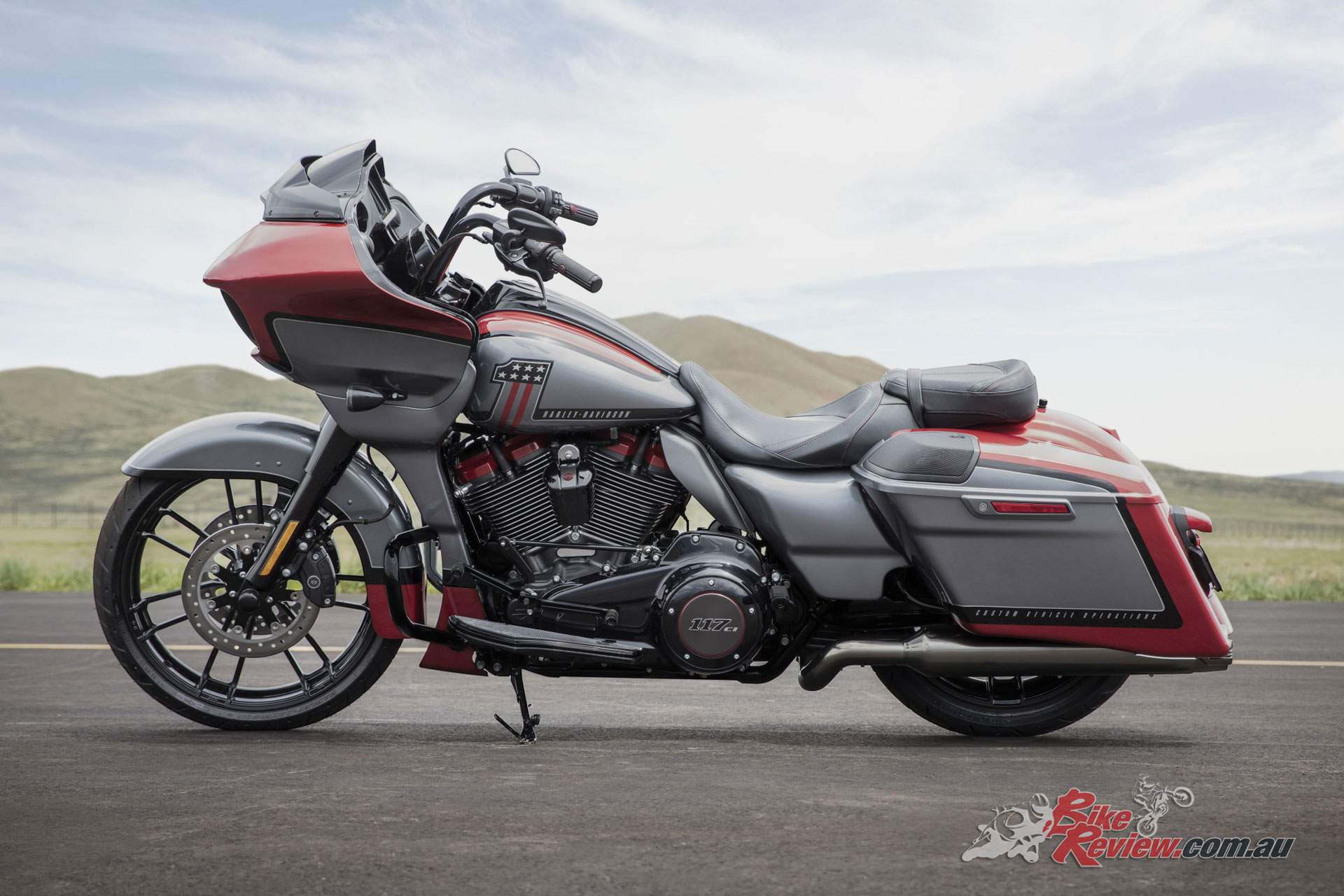 New Models 2019 Harley Davidson Fxdr 114 Review: Harley-Davidson Announce Three New 2019 CVO Models