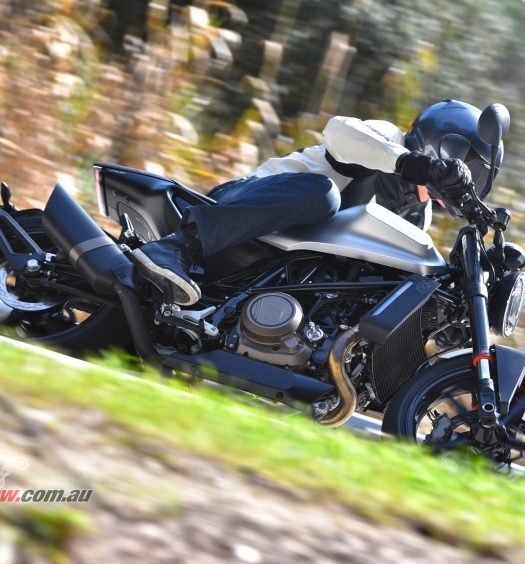 BikeReview 2018 Husqvarna Vitpilen 701 (54)