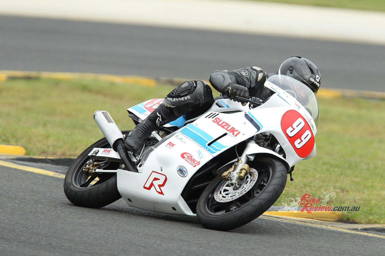 Classic Racer: Suzuki GSX-R1100 Slabside - Bike Review