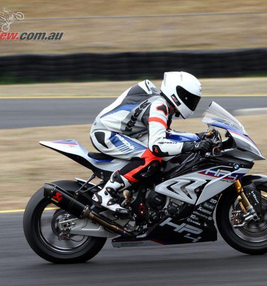2018-BMW-Motorrad-HP4-Race-8409