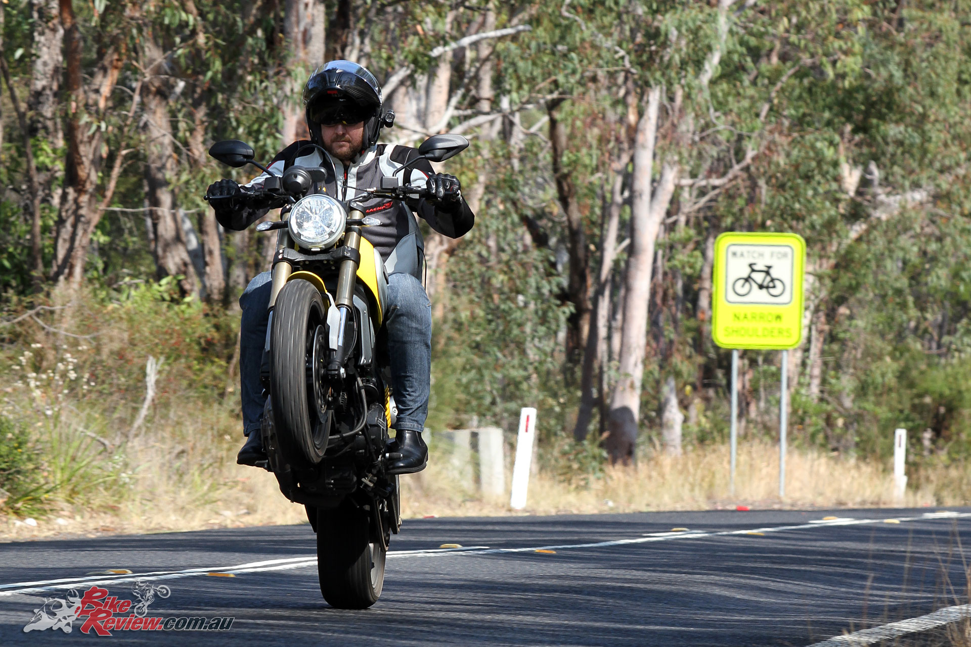 2018-Ducati-Scrambler-1100-Bike-Review-9245