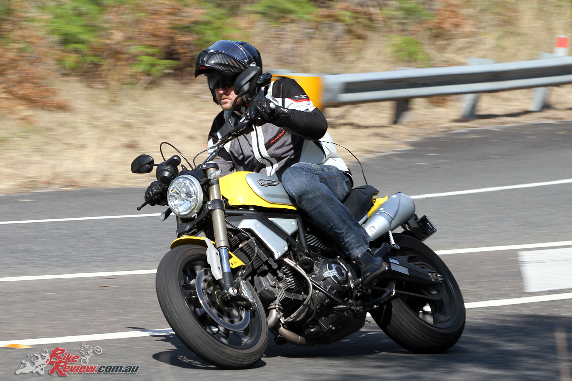 2018-Ducati-Scrambler-1100-Bike-Review-9325