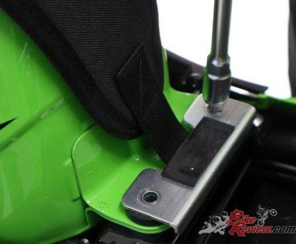 Fitting the Ninja 400 Tank Bag