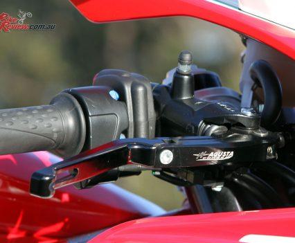Radial pull master-cylinder