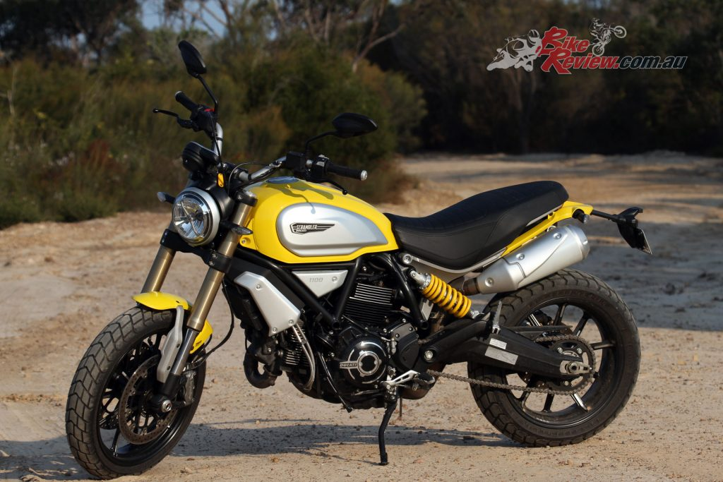 The Scrambler 1100 does what few bike can, it offers some dirt road performance without losing out on the tarmac performance. It's a win, win.