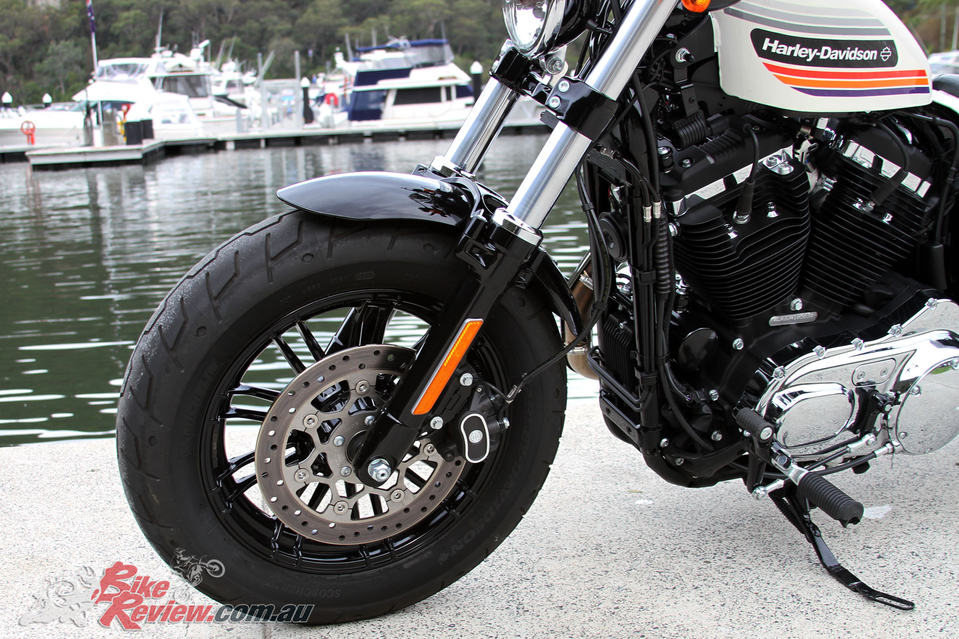 Dry grip seems strong from the Michelin Scorcher rubber, while the single disc brake on each end offers good performance