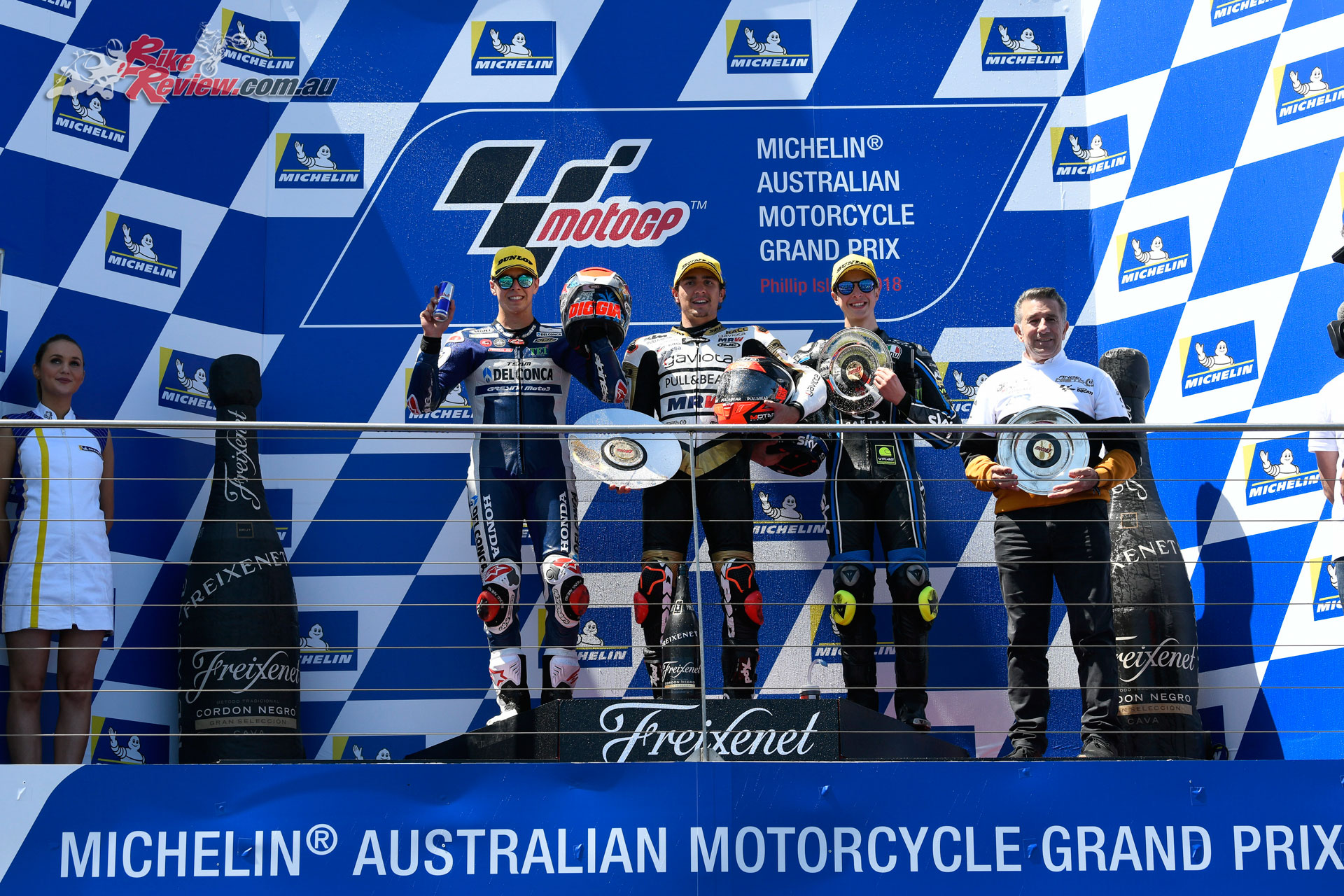 Viñales claims the win for Yamaha at Phillip Island MotoGP - Bike Review